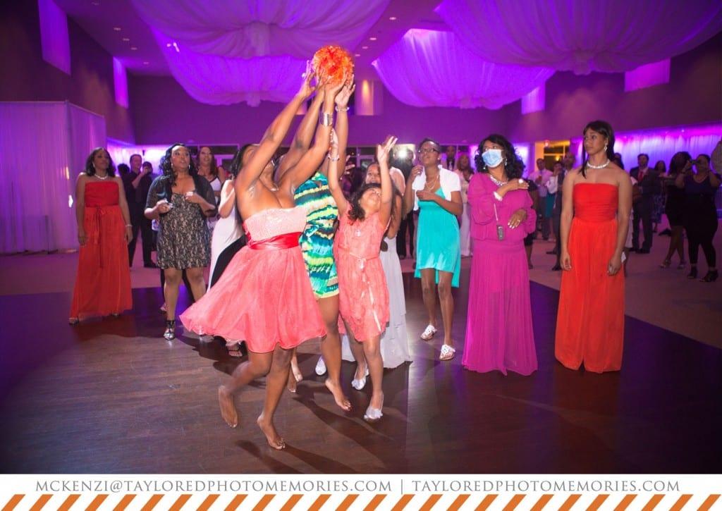 Wedding at Emerald at Queensridge | Las Vegas Wedding Photographer | Taylored Photo Memories