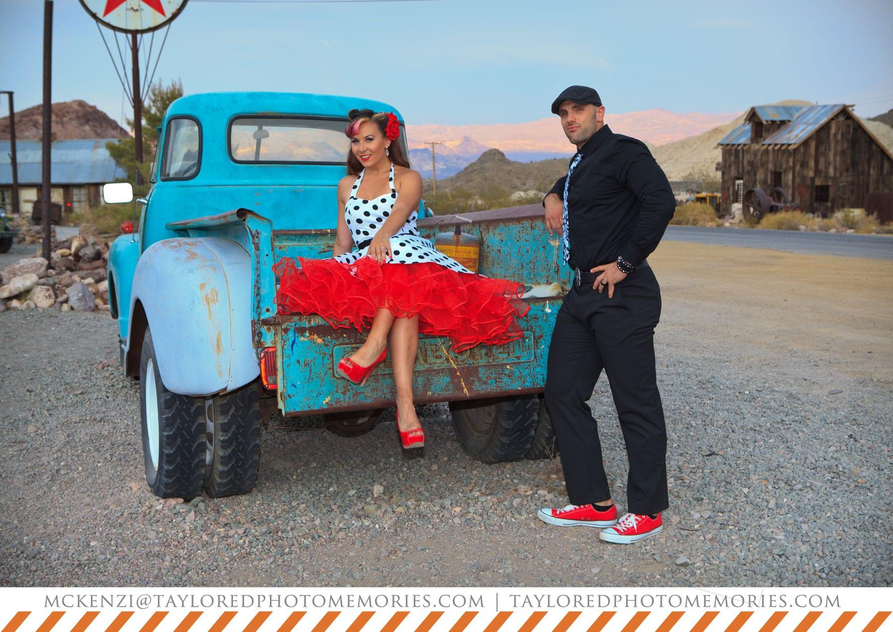 Las Vegas Elopement Photography | Rockabilly Photo Shoot | Nelsons Landing | 50s Pin up style shoot