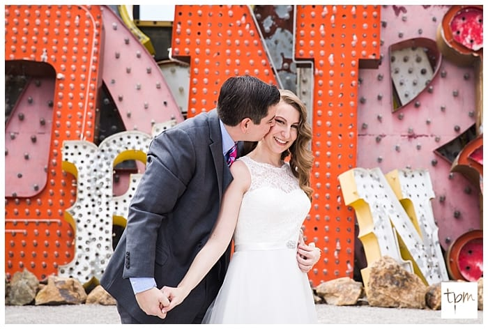 neon-museum-wedding-las-vegas_023